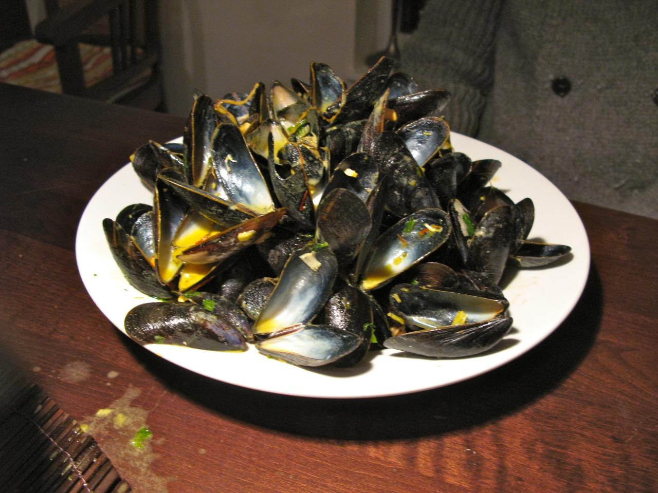 Muscheln mit Safran undSenf