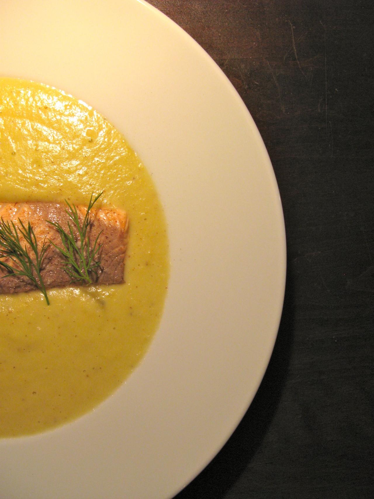 Resteverwertung: Pochierter Lachs|Lauch-Kartoffel-Suppe|Lollo Bionda