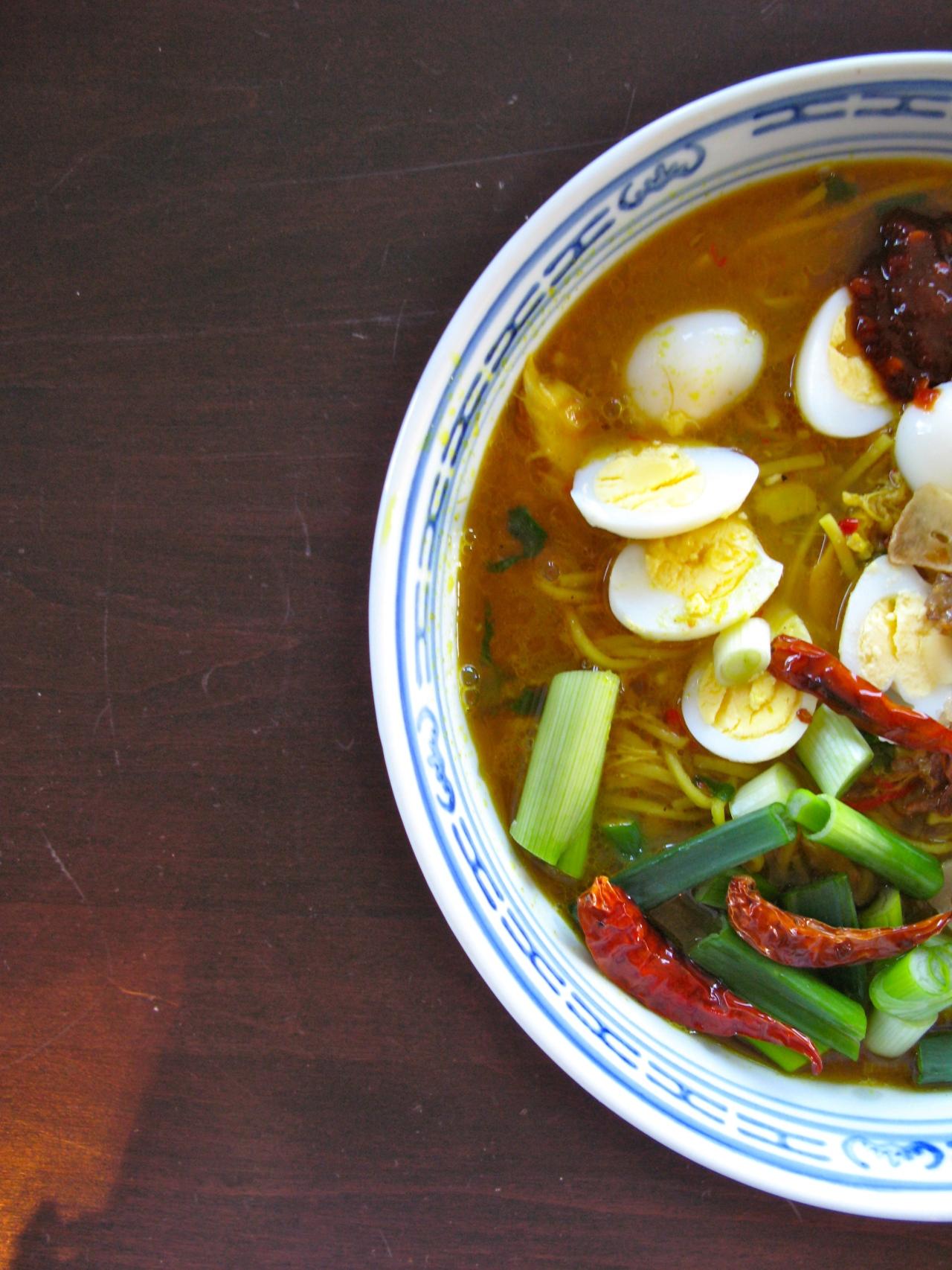 Soto Ayam – IndonesischeHühnersuppe