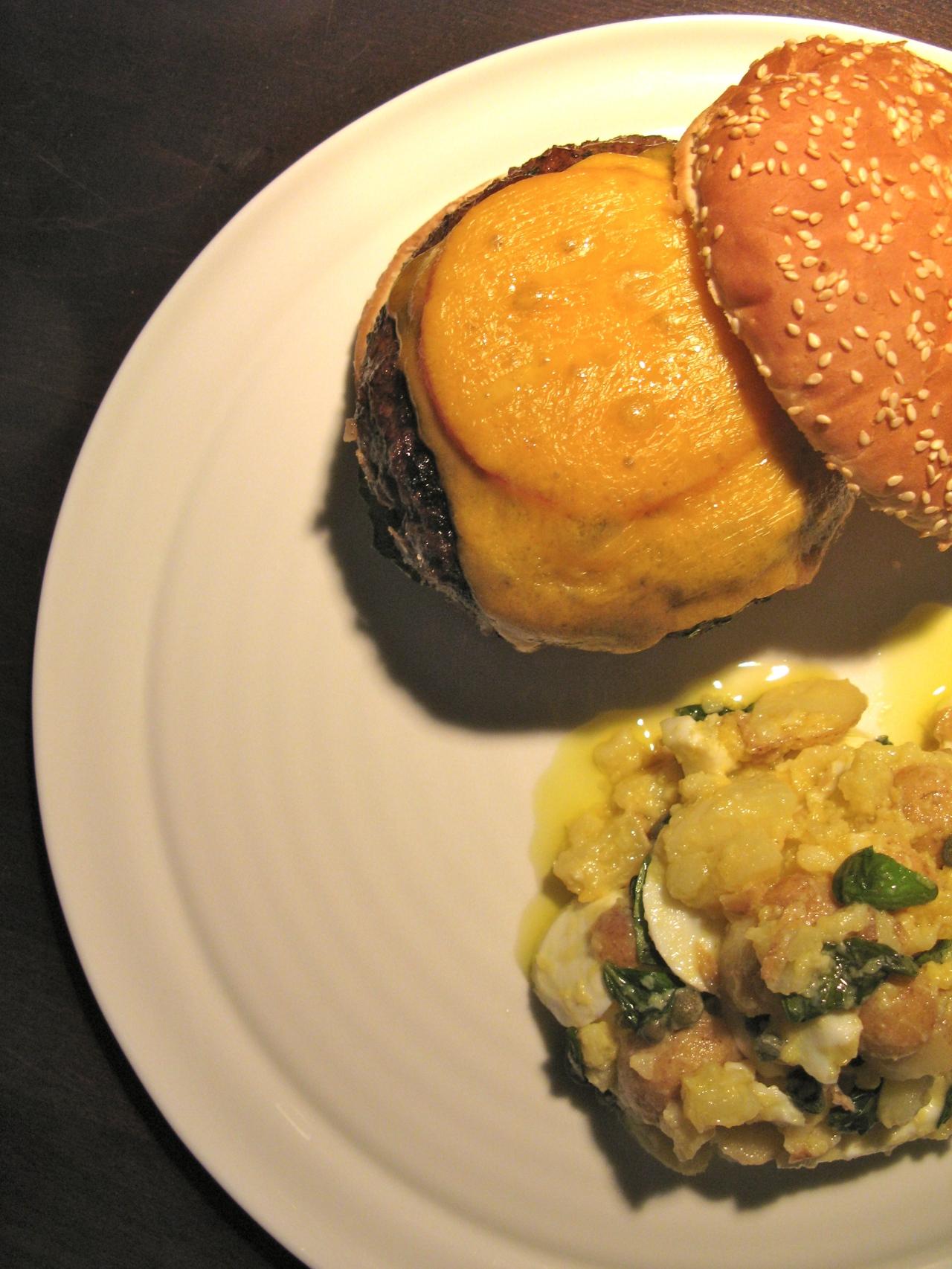 Cheeseburger | Kartoffel-Eier-Salat