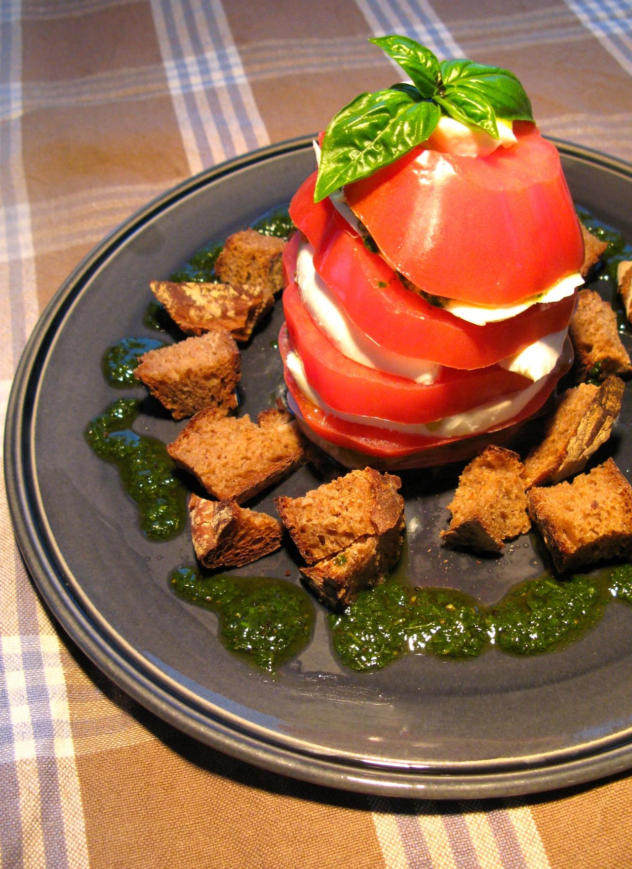 Caprese'burger' | Basilikumcoulis | VinschgauerBrot