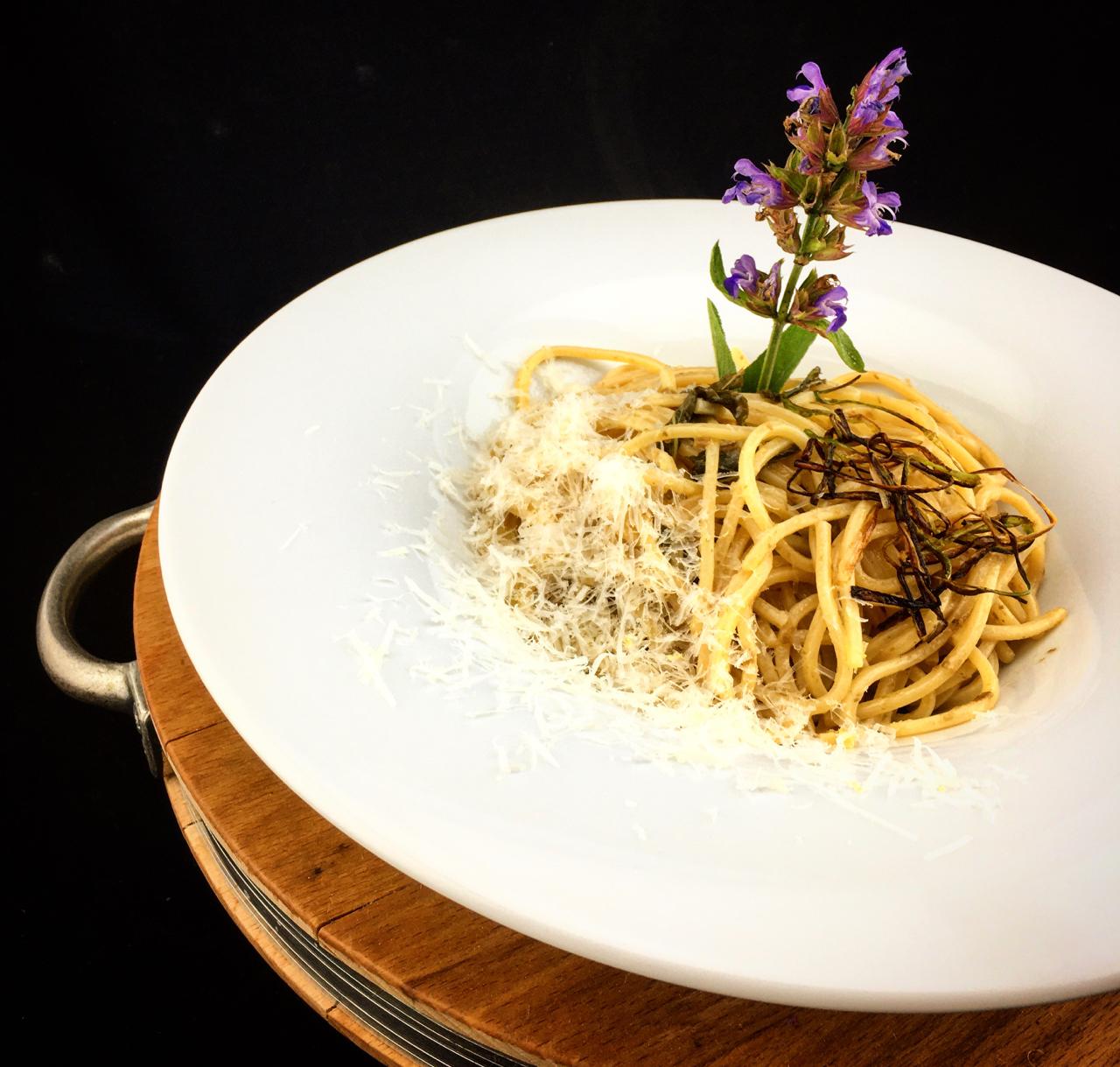 Spaghetti mit Salbei undKapern